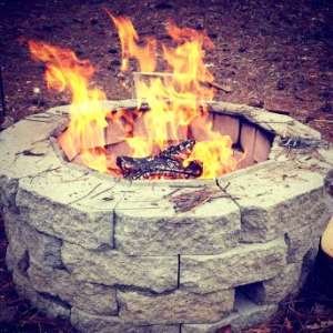 Easy DIY Inexpensive Fire pit for Backyard Fun