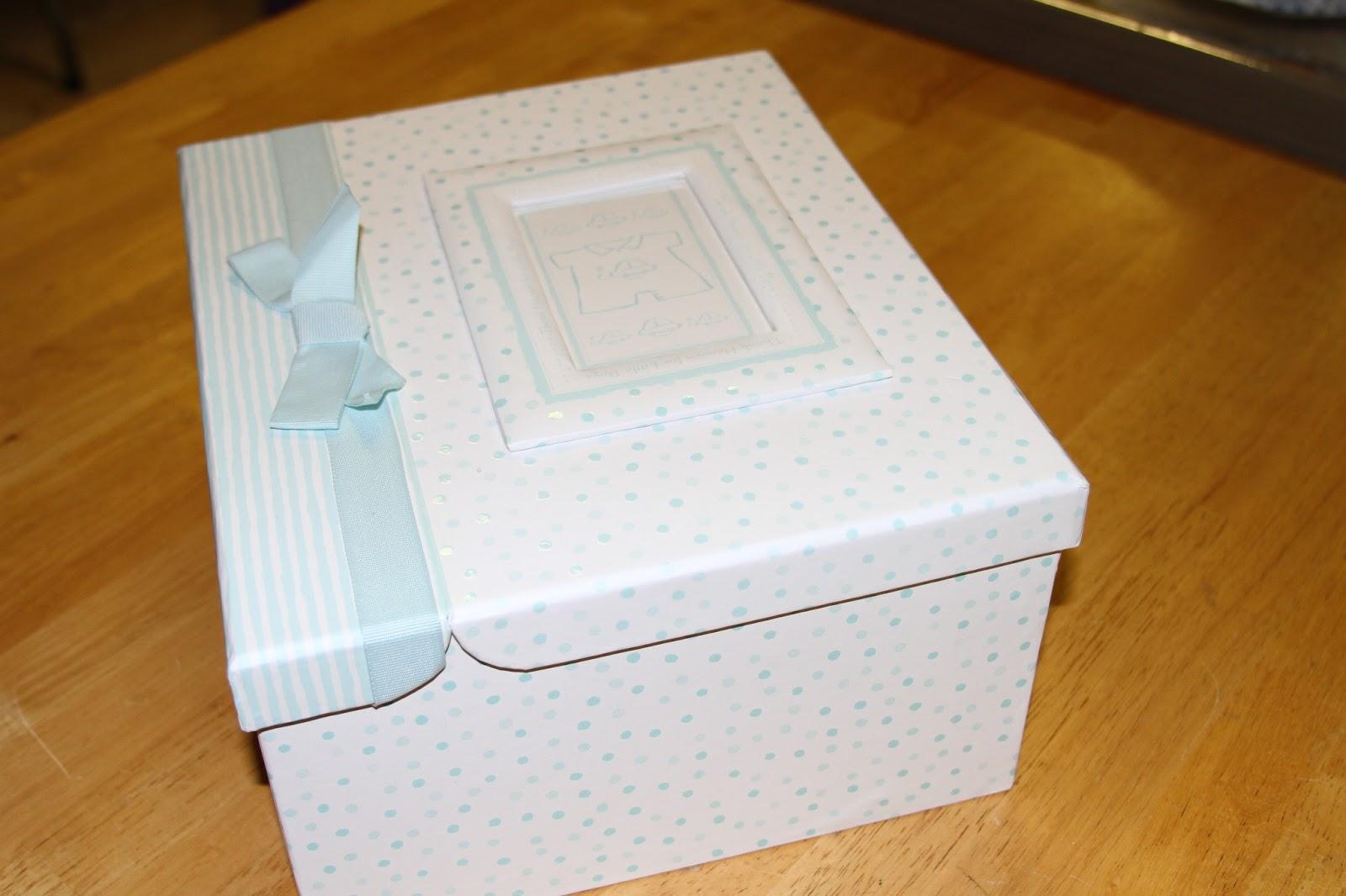 Baby keepsakes box