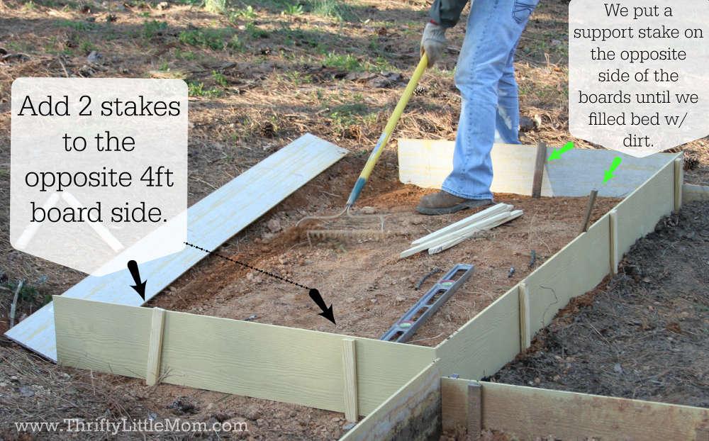 Opposite 4 ft Raised Garden Bed Stakes
