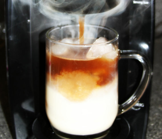 DIY Iced Caramel Macchiato