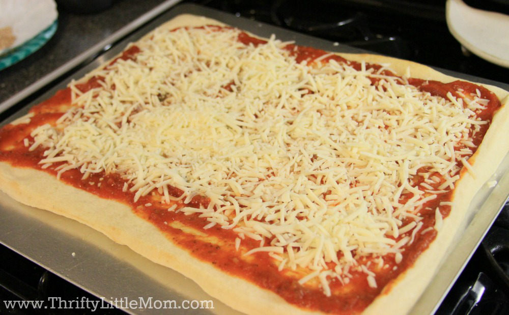 Easy Homemade Pizza Recipe 2