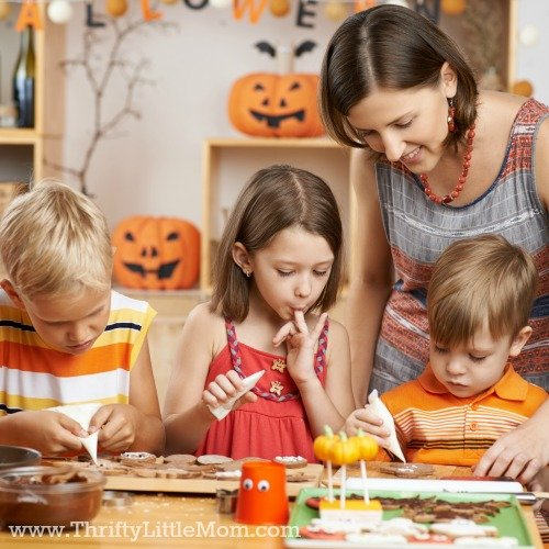 5 Ideas for a Memorable Stay at Home Halloween