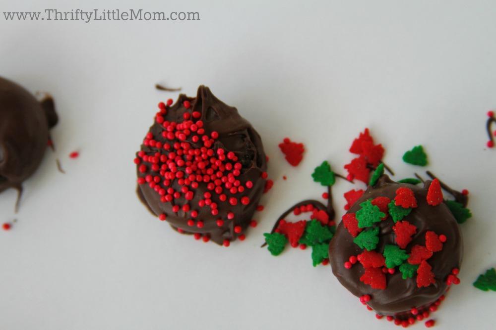 Chocolate Covered Mini Oreo Bites Close Up