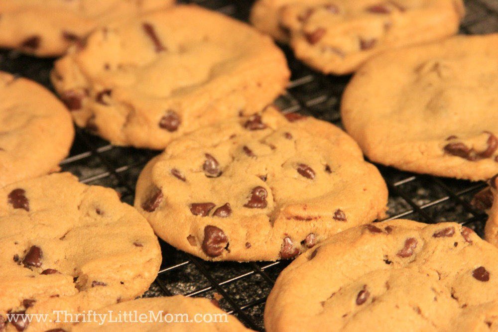The Ultimate Chocolate Chip Cookie Gift Jar Cookies