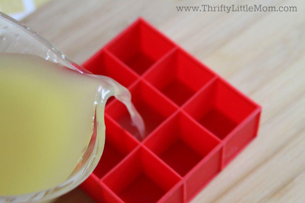 Vintage Sparkling Pineapple Ice