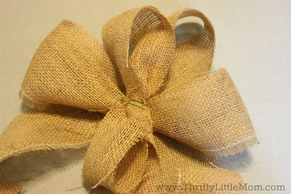 How To Make a Simple Burlap Bow Step 7