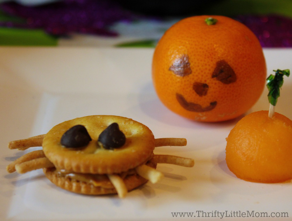 Spider crackers & Pumpkin Clementine