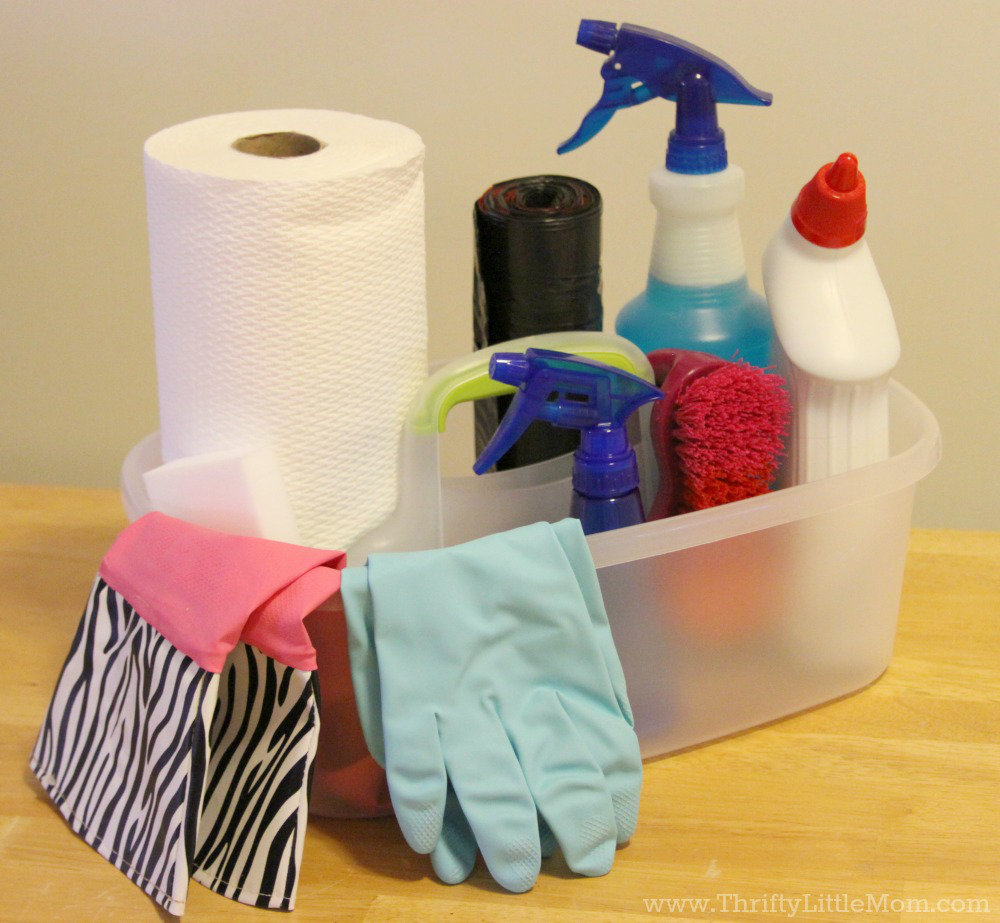 Speed Up Spring Cleaning by making a cleaning caddy