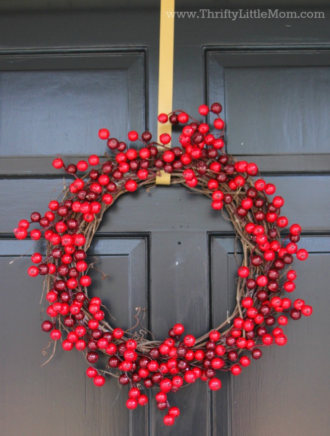 finished-15-minute-berry-wreath