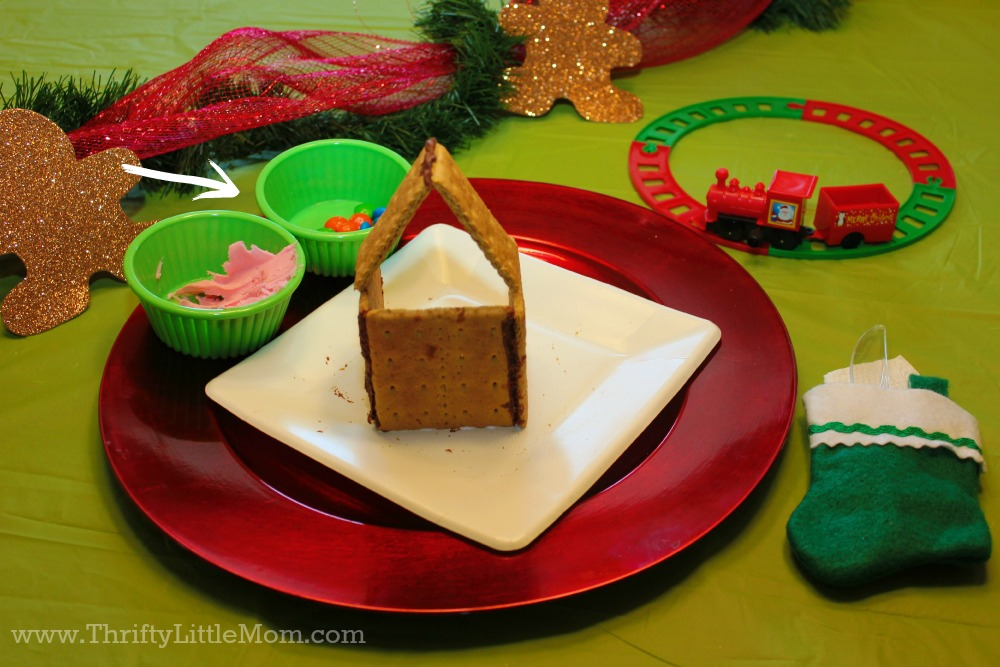 kids-gingerbread-house
