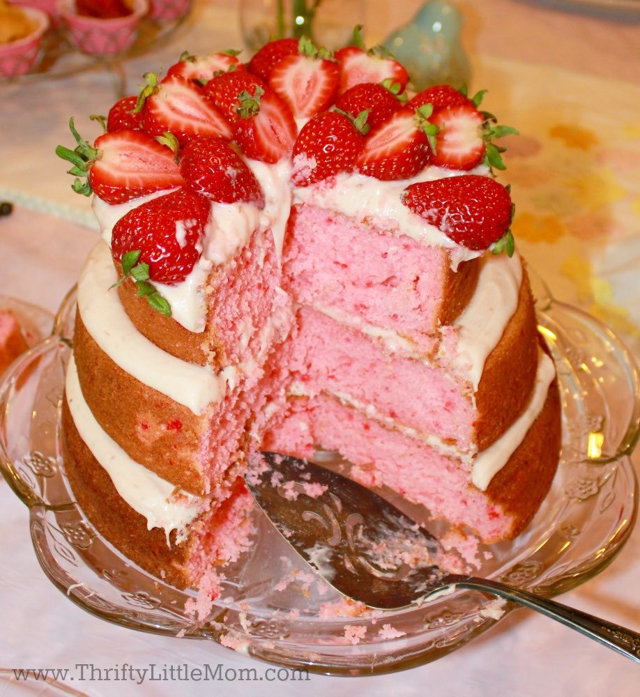 strawberry-naked-cake