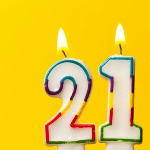 21 of the Best 21st Birthday Party Ideas for Drinkers & Non-Drinkers