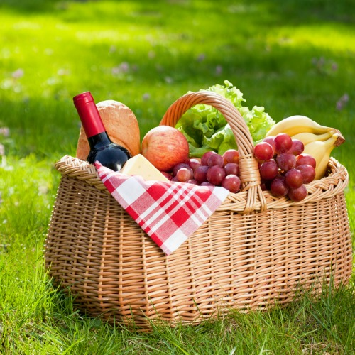 5 New Twists for a Classic Picnic Party
