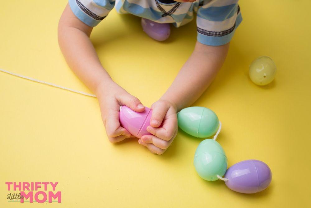string plastic eggs for easter games